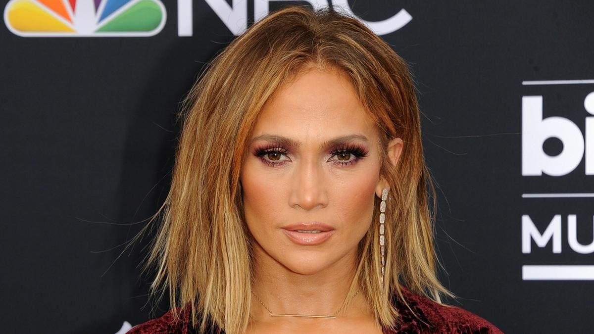 Jennifer Lopez ist seit ihrer Trennung von Ex-Baseball-Profi Alexander Rodríguez wieder zu haben.. © Tinseltown/Shutterstock.com
