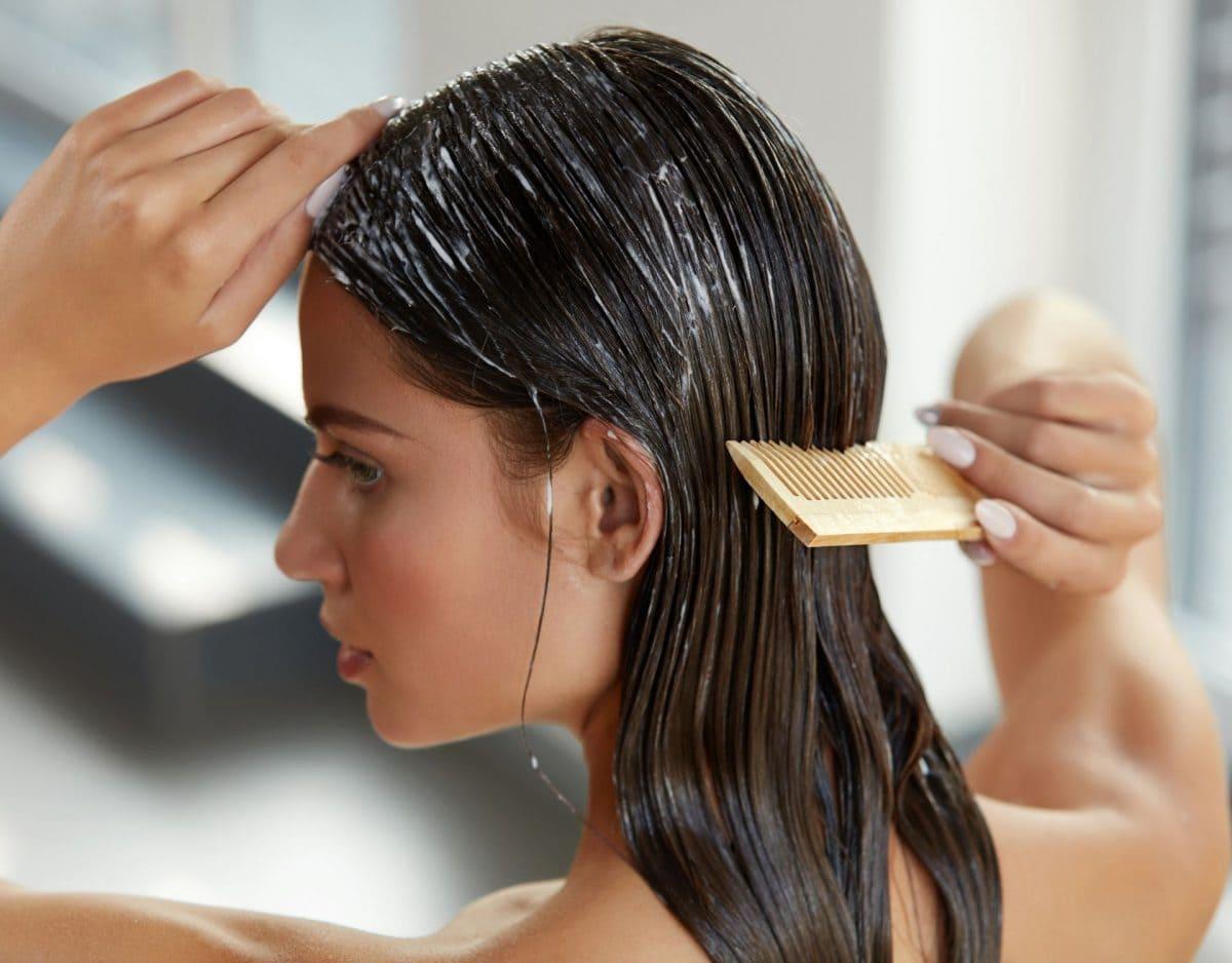 Marulaöl Frau mit nassen Haaren