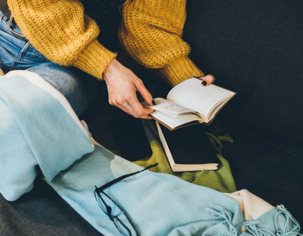 Lesende Frau. Self Care Sunday