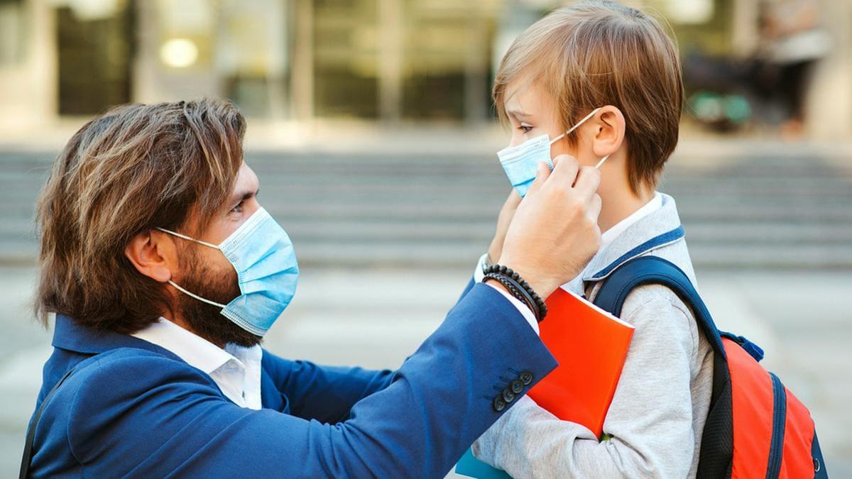 Eltern sollten jetzt besonders verständnisvoll mit ihren Kindern umgehen.. © Volurol/Shutterstock.com