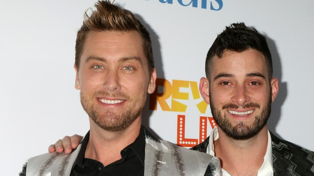 Lance Bass (li.) und Michael Turchin gründen eine Familie.. © Kathy Hutchins/ Shutterstock.com