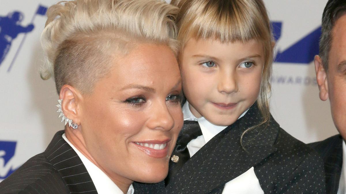 Pink und Tochter Willow haben einen gemeinsamen Song aufgenommen.. © Kathy Hutchins/shutterstock.com