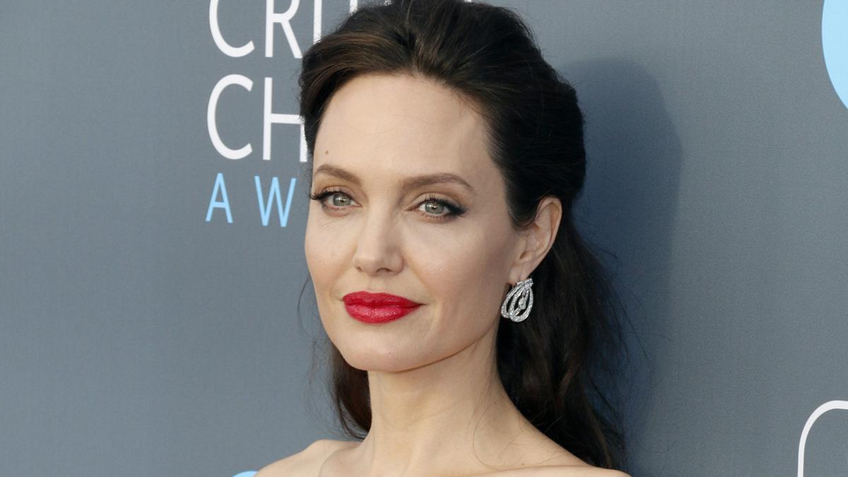 Angelina Jolie hat über ihren ausgeprägten Mutterinstinkt gesprochen.. © Tinseltown/shutterstock.com