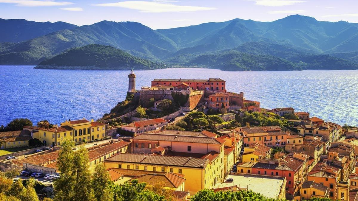 Die italienische Insel Elba putzt sich für das Jubiläum heraus. © StevanZZ/Shutterstock.com