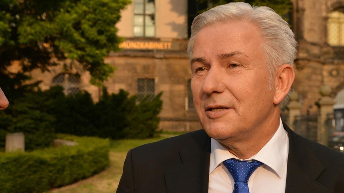 Klaus Wowereit ist froh um sein öffentliches Bekenntnis vor 20 Jahren.. © Matthias Wehnert/shutterstock.com