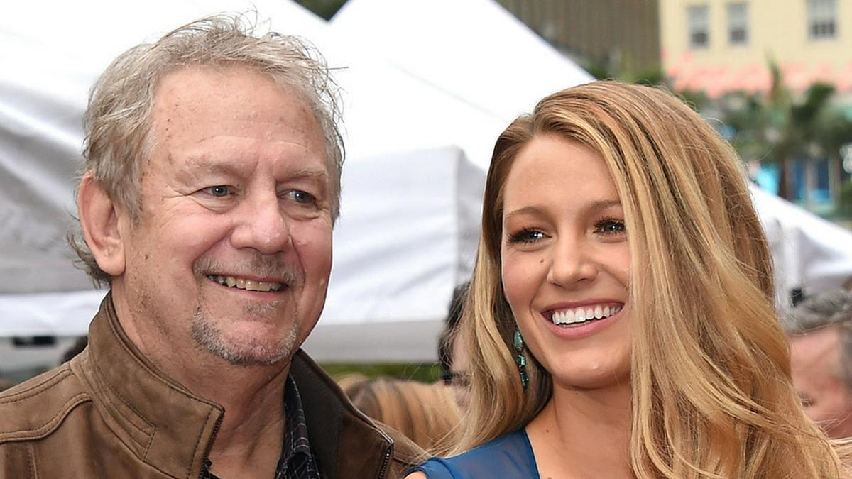 Ernie Lively mit seiner Tochter Blake im Jahr 2016 in Los Angeles.. © DFree / Shutterstock.com