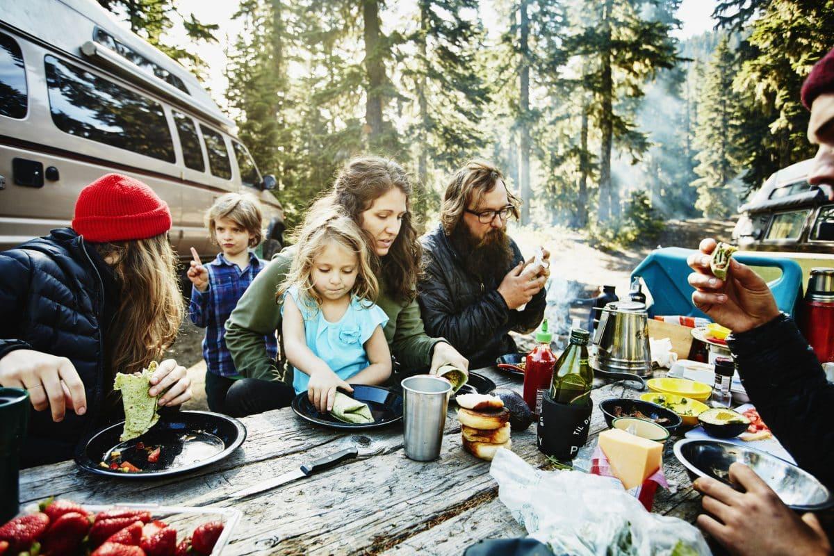Klimatarier Wald Familie Picknick Essen