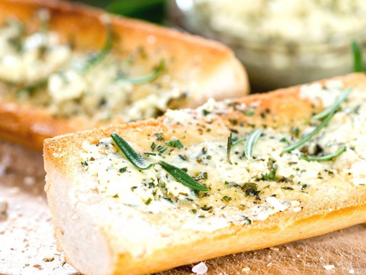 Kräuterbutter Brot