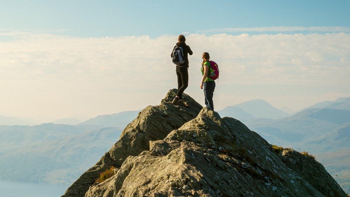 Beim Wandern ist eine gesunde Selbsteinschätzung gefragt.. © ABO PHOTOGRAPHY/Shutterstock.com