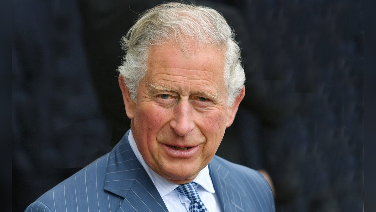 Prinz Charles gratuliert Prinz William zum Geburtstag.. © imago/Sven Simon