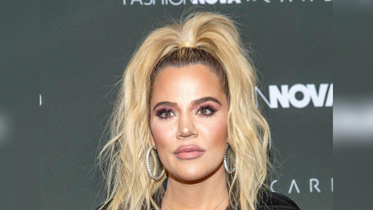 """Khloé Kardashian stand von 2007 bis 2021 für die Realityshow """"Keeping Up with the Kardashians"""" vor der Kamera.. © Eugene Powers/Shutterstock.com"""