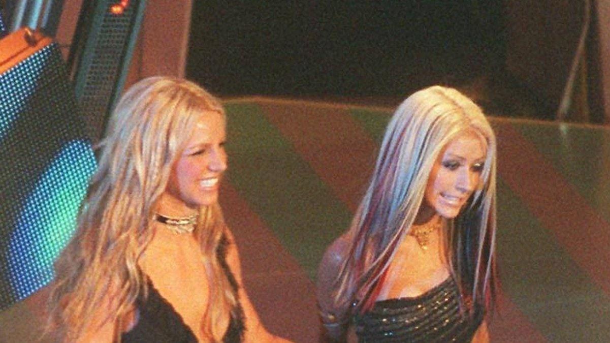 Christina Aguilera und Britney Spears bei einem gemeinsamen Auftritt.. © imago/ZUMA Wire