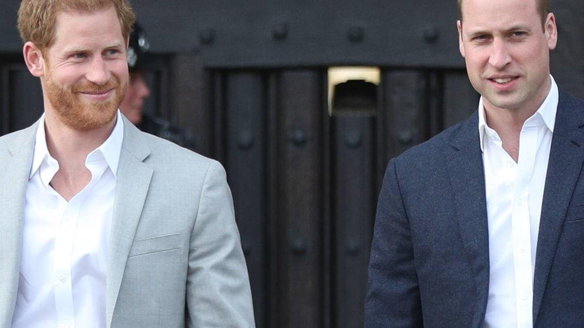 Prinz Harry (li.) und Prinz William wurden bei der Hochzeit von Kitty Spencer nicht gesichtet.. © imago/i Images
