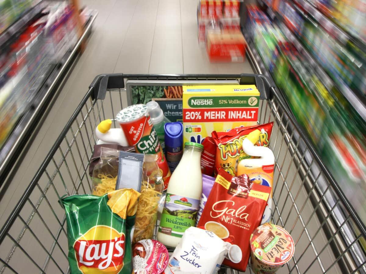 einkaufen wagen supermarkt