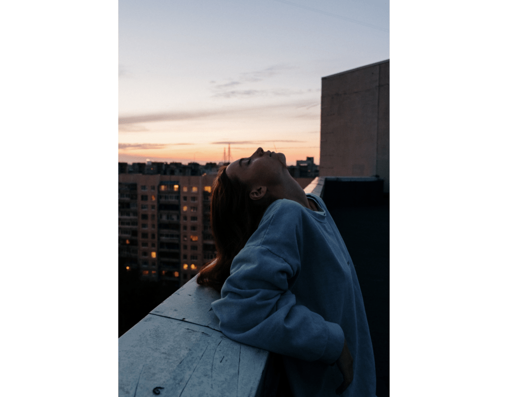Frau, Stadt, Abend
