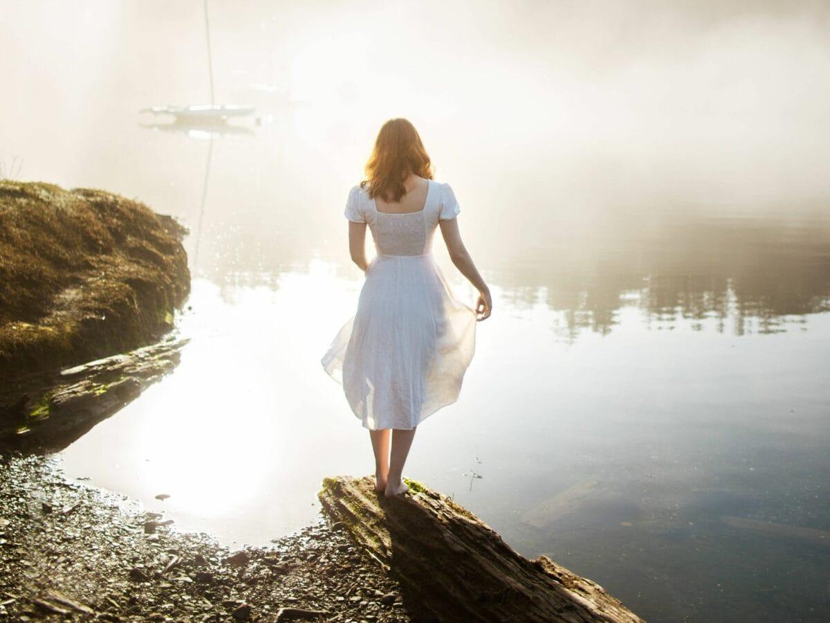 Frau im Nebel
