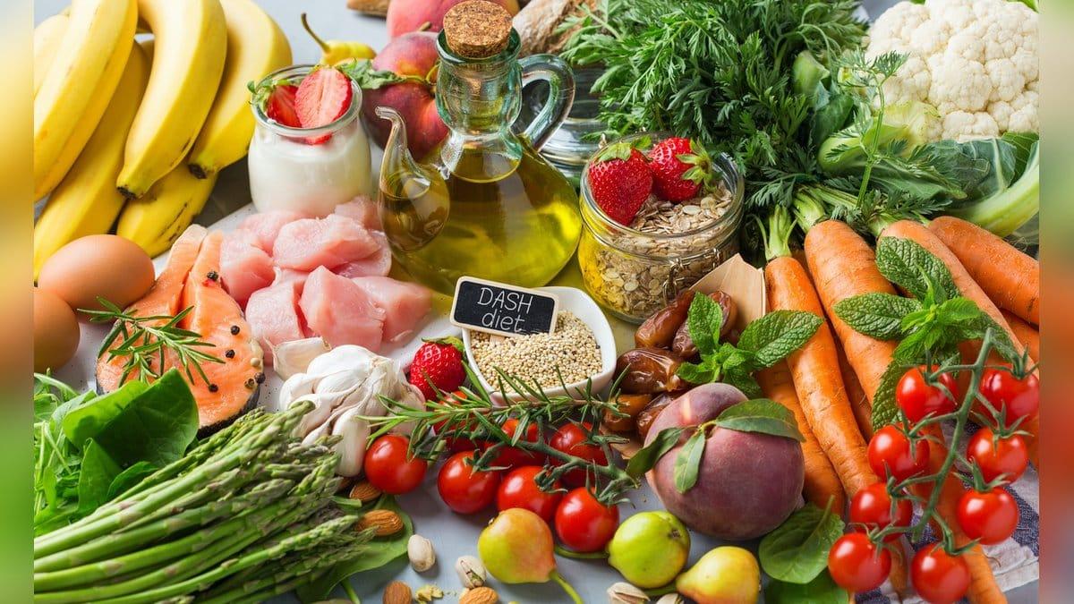 Bei der DASH-Diät kommt viel Obst und Gemüse auf den Teller.. © Antonina Vlasova/Shutterstock.com