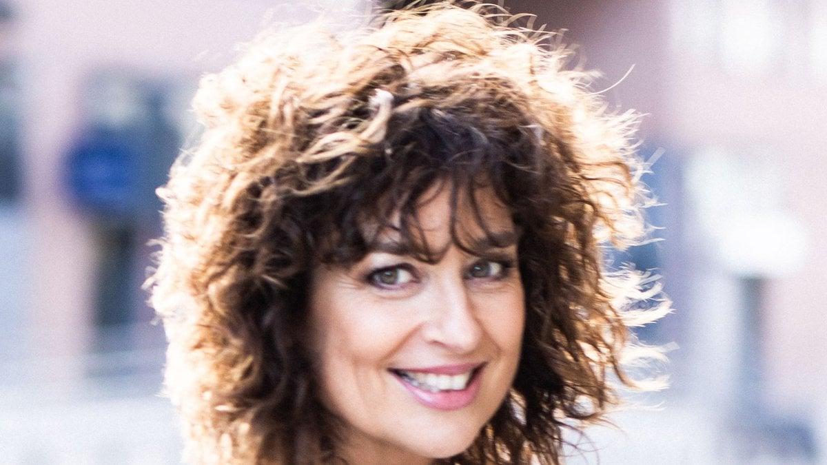 """Mit """"Die guten alten Zeiten sind jetzt: Wie ich das Leben jeden Tag neu erfinde"""" hat Isabel Varell ein neues Buch veröffentlicht.. © Annemone Taake"""