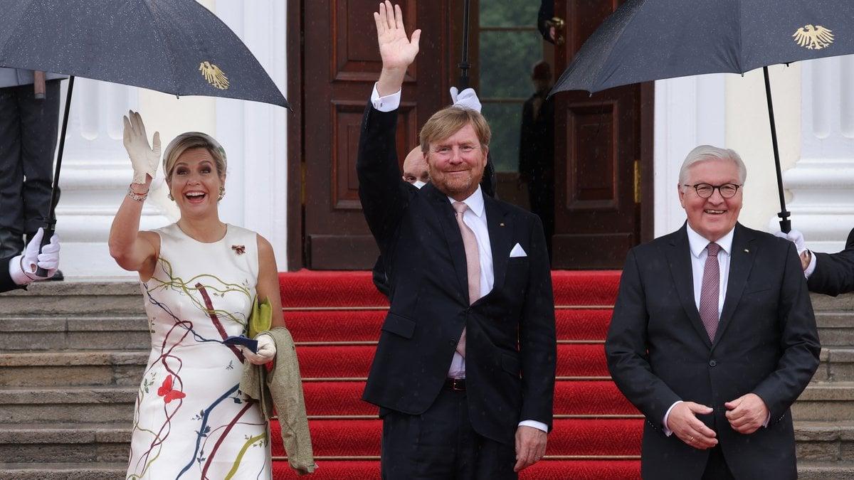 Das niederländische Königspaar Máxima und Willem-Alexander besuchte Bundespräsident Frank-Walter Steinmeier in Berlin.. © getty/Sean Gallup/Getty Images