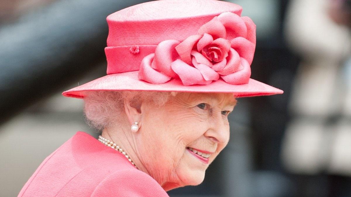 Die Queen überrascht mit einem besonderen Brief auf Instagram.. © Copyright (c) 2012 Shaun Jeffers/Shutterstock.  No use without permission.