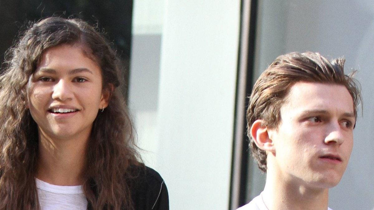Zendaya und Tom Holland bei gemeinsamen Dreharbeiten.. © imago/MediaPunch