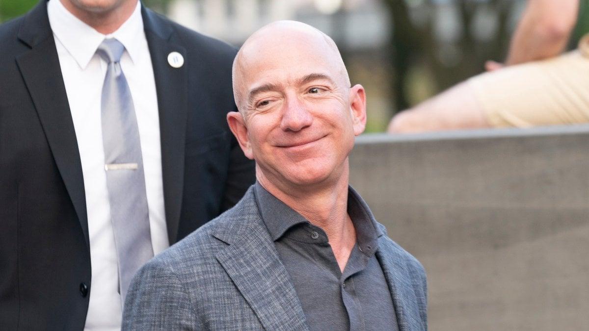 Jeff Bezos ist noch reicher geworden.. © lev radin/Shutterstock.com