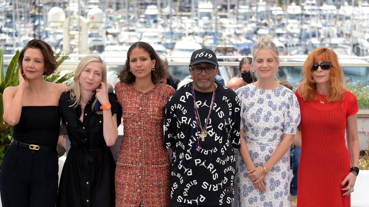Jurypräsident Spike Lee mit seinen Jurykolleginnen beim Filmfestival in Cannes.. © imago/Independent Photo Agency Int.