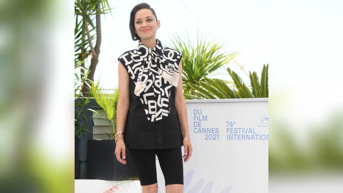 "Marion Cotillard bei einem Fototermin des Films ""Annette"" in Cannes.. © imago images/Independent Photo Agency Int."
