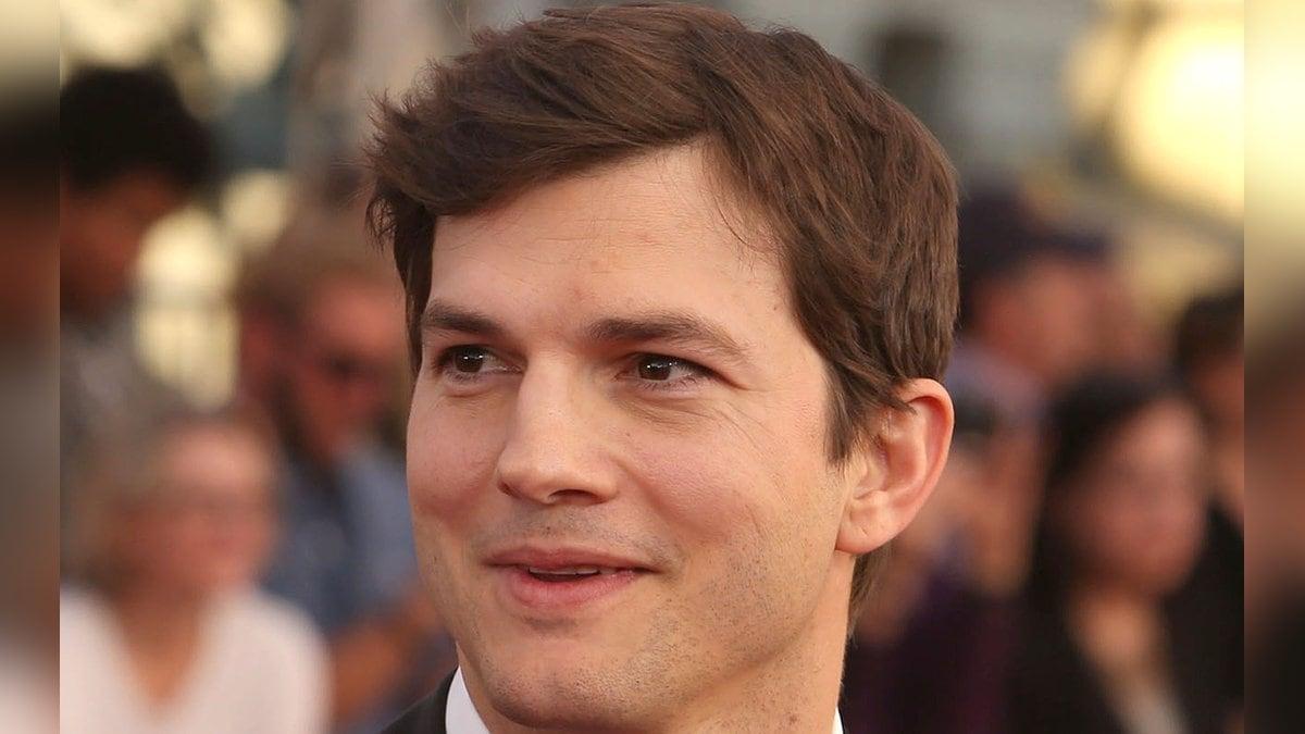 Ashton Kutcher sollte mit Richard Bransons Weltraumflugzeug ins All fliegen.. © AdMedia/ImageCollect