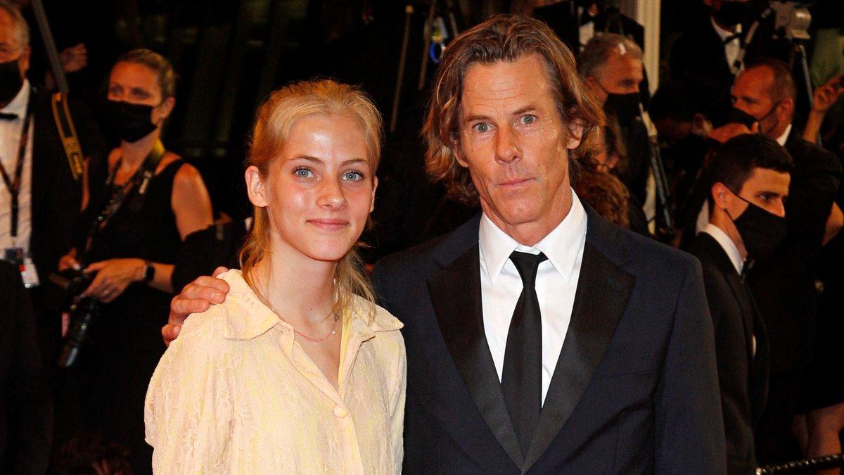 Hazel Moder mit ihrem Vater Danny Moder in Cannes.. © P. Lehman / Barcroft Studios / Future Publishing