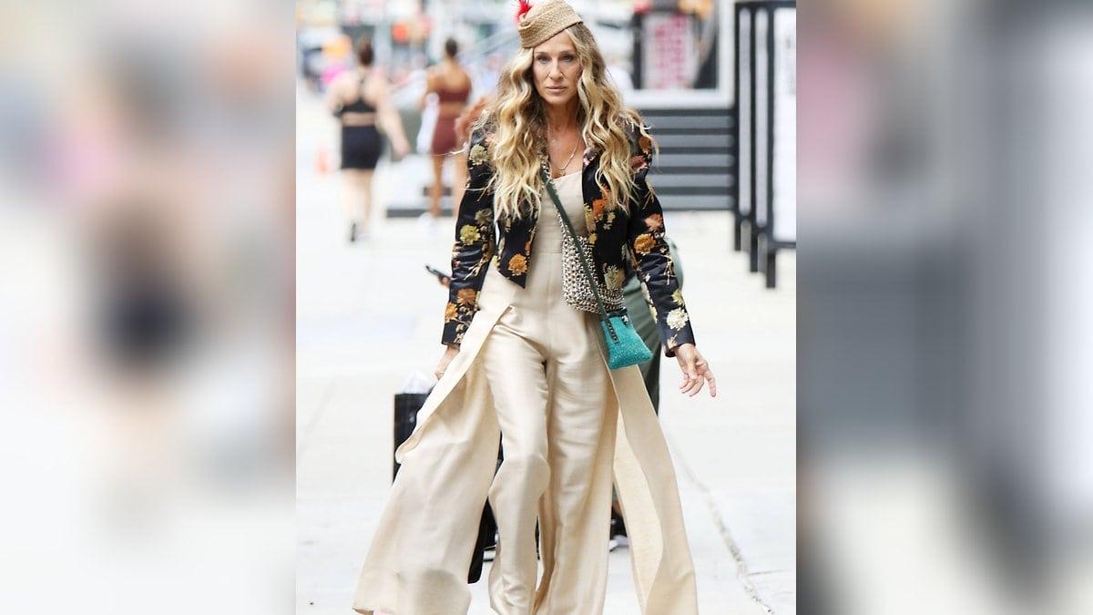 Sarah Jessica Parker beweist am Set erneut ihr Modebewusstsein.. © imago/MediaPunch