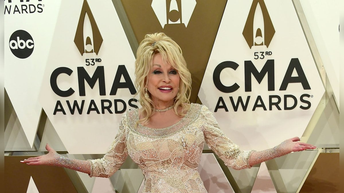 Dolly Parton bei den CMA Awards 2019. © Laura Farr/AdMedia/ImageCollect