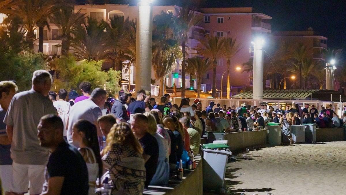 Nächtliche Partys unter freiem Himmel sind auf Mallorca bald wieder Geschichte.. © imago/Chris Emil Janßen