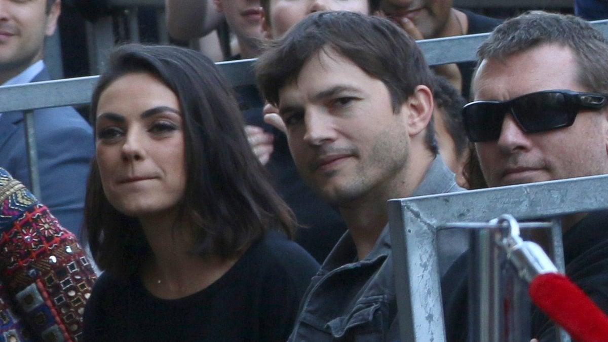 Mila Kunis und Ashton Kutcher bei einem Auftritt in Los Angeles.. © Kathy Hutchins/Shutterstock.com
