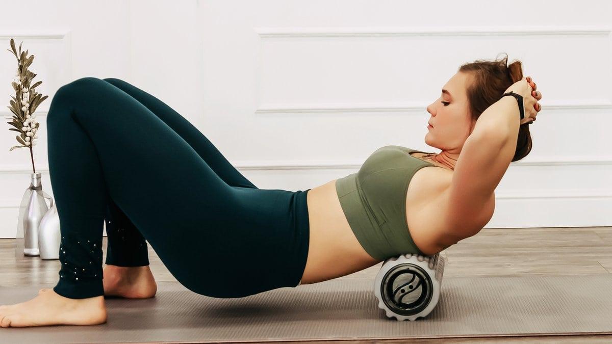 Verklebte Faszien können mit einfachen Übungen wieder gelöst werden.. © kormakova1/Shutterstock.com