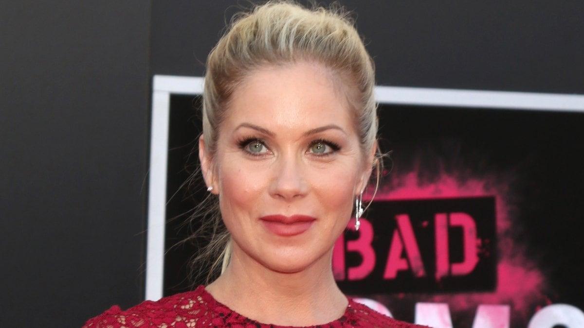 Christina Applegate hat in einem Tweet ihre MS-Diagnose bekannt gemacht.. © Kathy Hutchins/Shutterstock.com