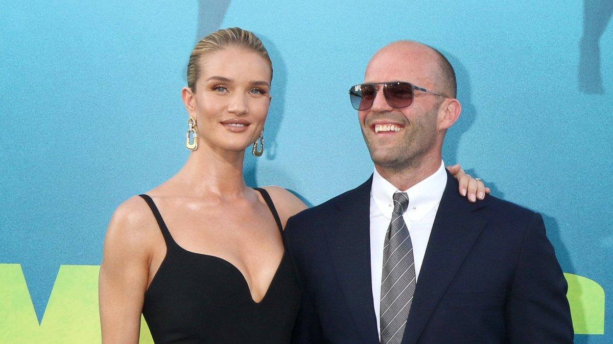Rosie Huntington-Whiteley und Jason Statham auf einer Filmpremiere in Los Angeles.. © Kathy Hutchins/Shutterstock.com