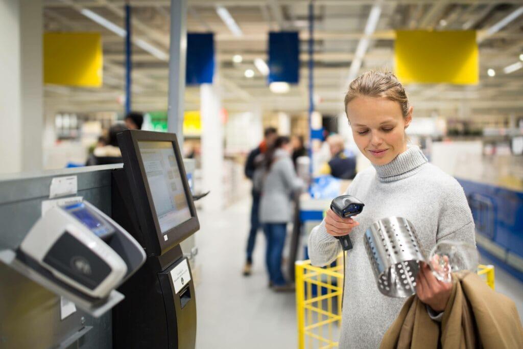 Frau IKEA
