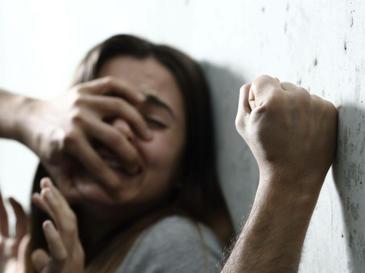Gewalt Frauen