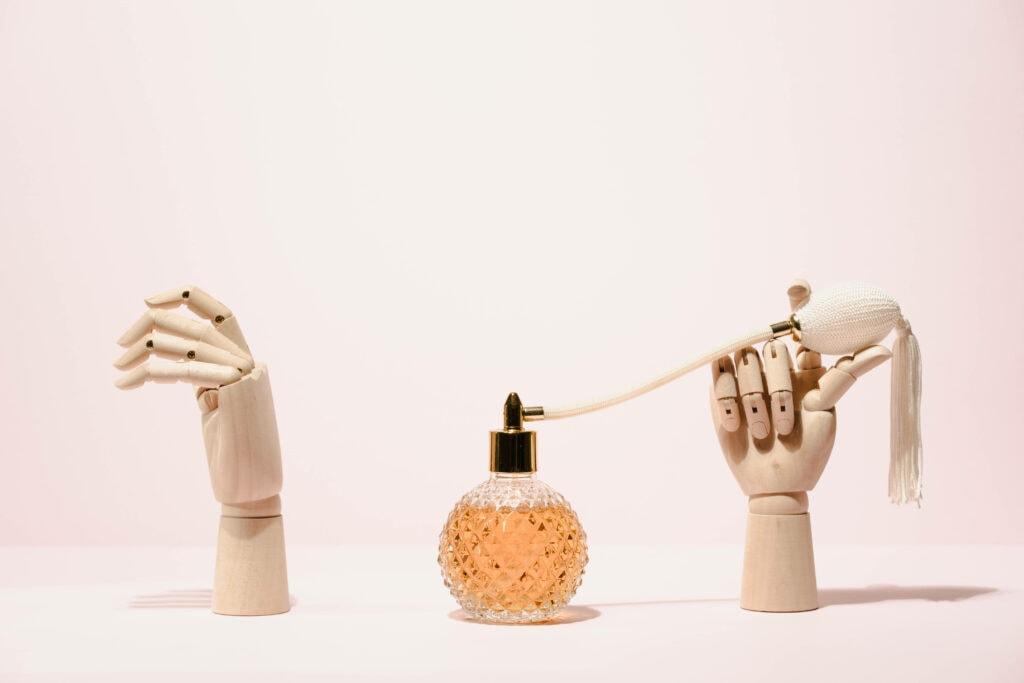 Frau Parfüm