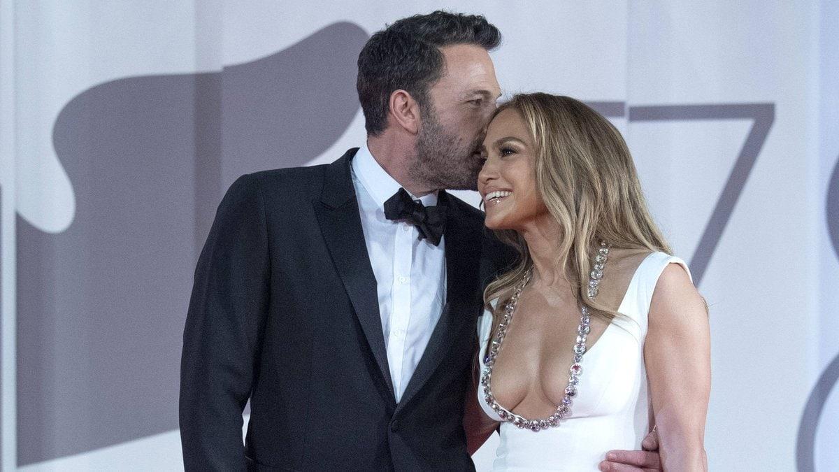 Jennifer Lopez und Ben Affleck bei den Filmfestspielen in Venedig.. © imago/ZUMA Wire