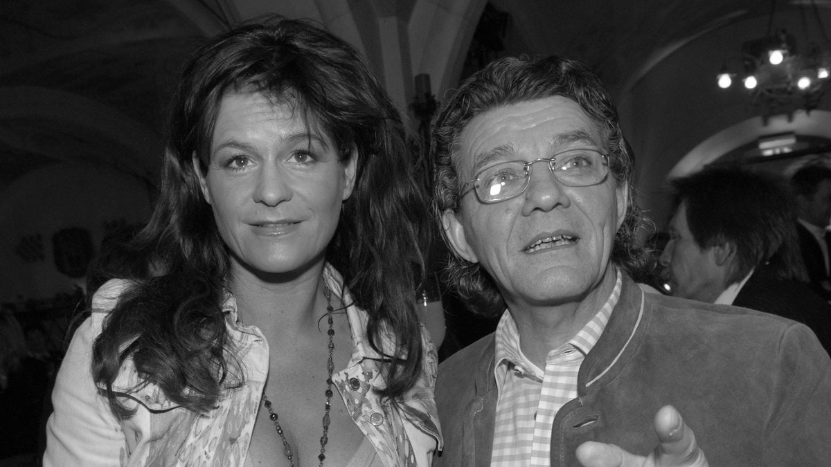 Andrea Berg trauert um ihren Musikproduzenten Eugen Römer (r.).. © imago/Stefan M Prager
