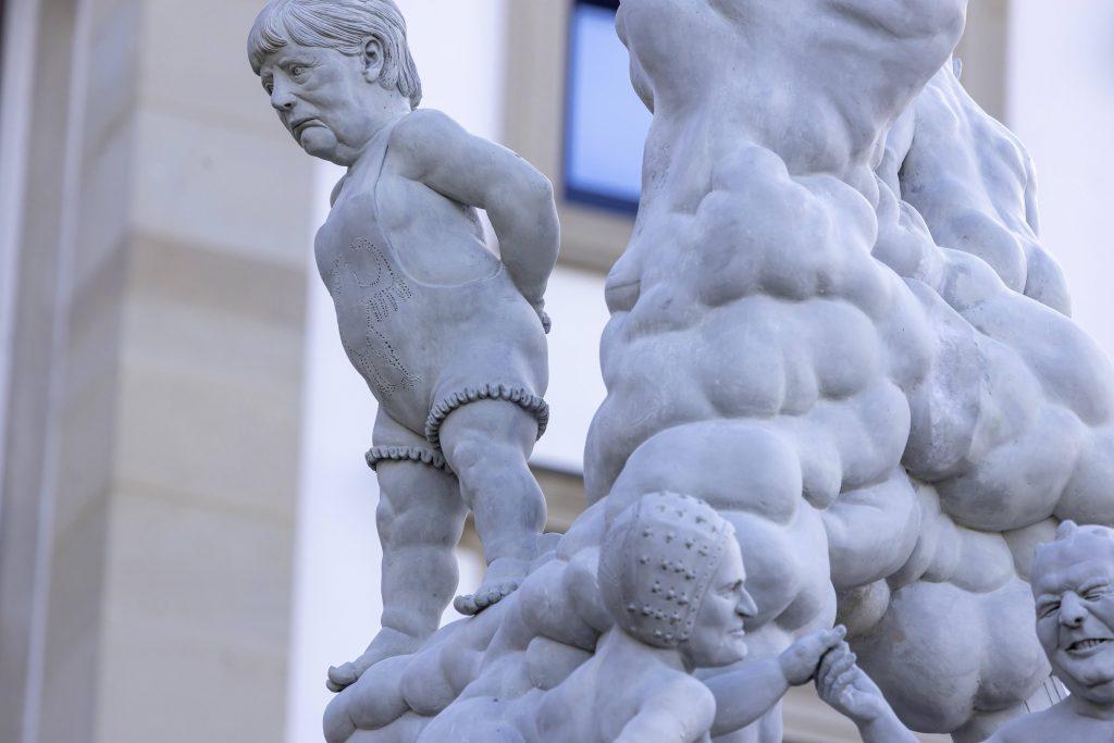 angela merkel statue