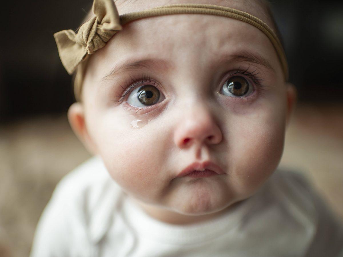 wenn dein baby weint träne kind